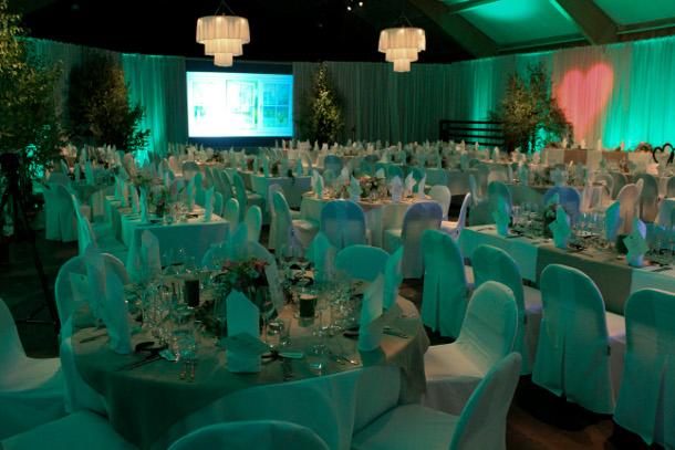 Hyra allt för fest i Stockholm Partytält stolar bord